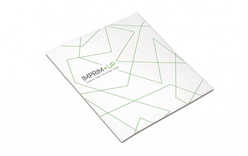 Brochure agrafée carrée 14,8 x 14,8 cm - Papier couché 250g + 135g