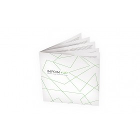 Brochure agrafée carrée 14,8 x 14,8 cm - MAT 90g
